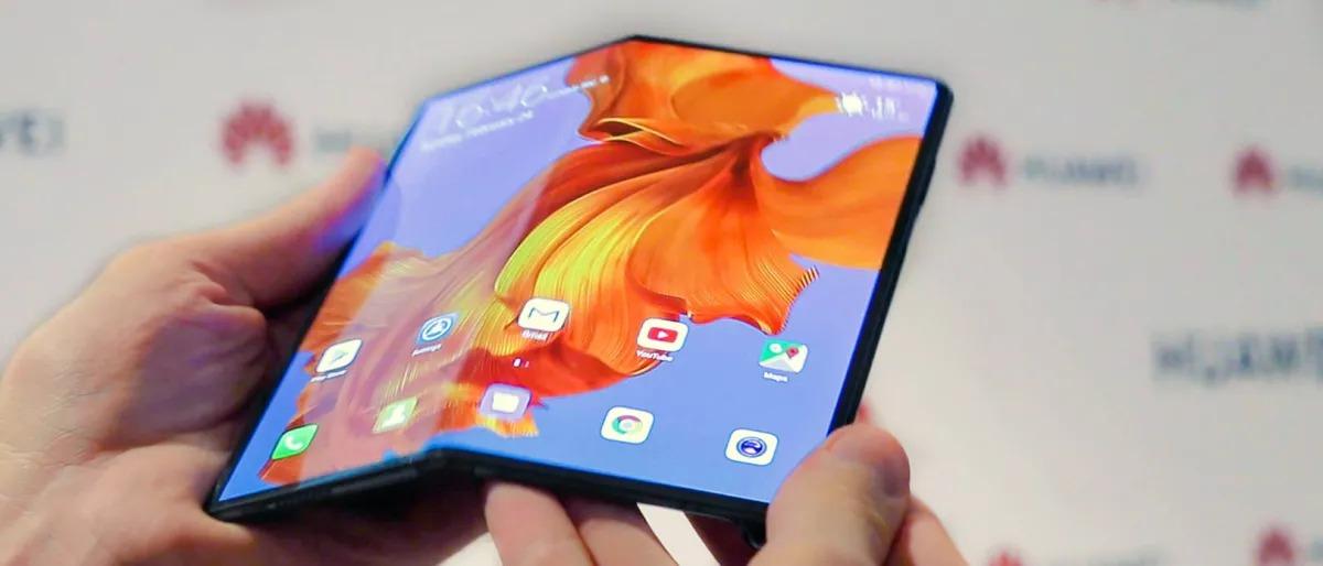 Обзор на Huawei Mate X